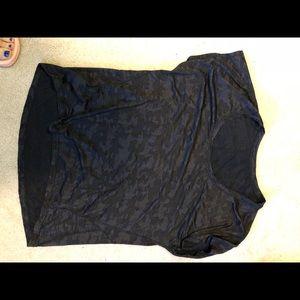 Lululemon camo black top